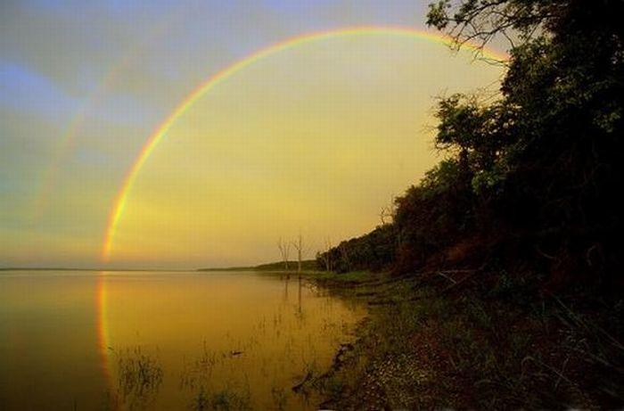 радуга над рекой (700x461, 35Kb)