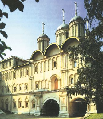 4842959_patriarsh_palati_i_arostolsk_sobor (335x390, 32Kb)