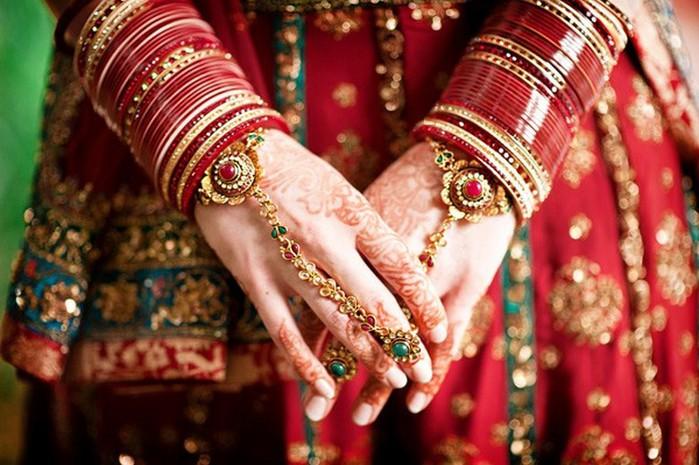 Портретные фото невест из Индии 25 (700x465, 102Kb)