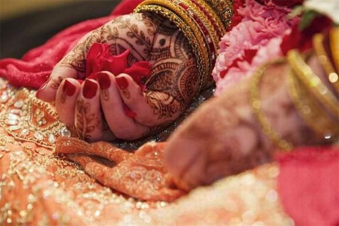 Портретные фото невест из Индии 71 (700x466, 77Kb)