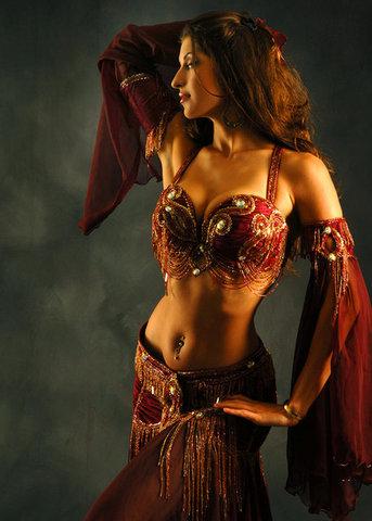 Арабский танец живота имеет
