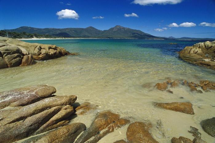 Пляж Wineglass Bay фото 4 (700x466, 102Kb)