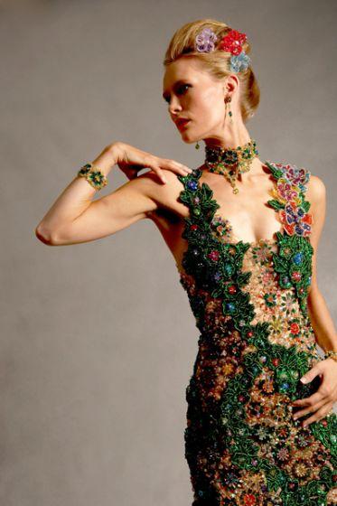 Искусство платья из бисера
