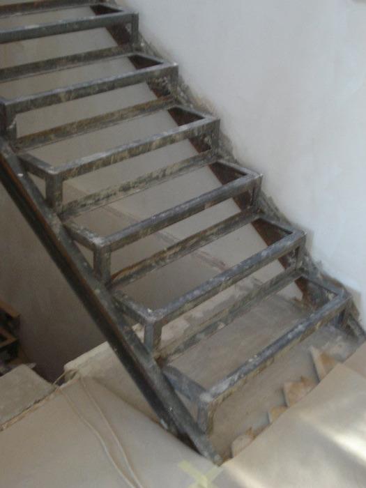 Лестница металлический каркас своими руками