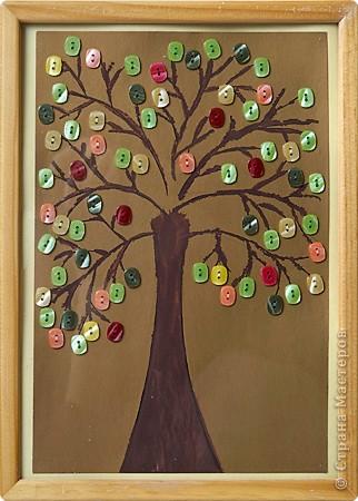 Дерево нарисованное и пуговицы