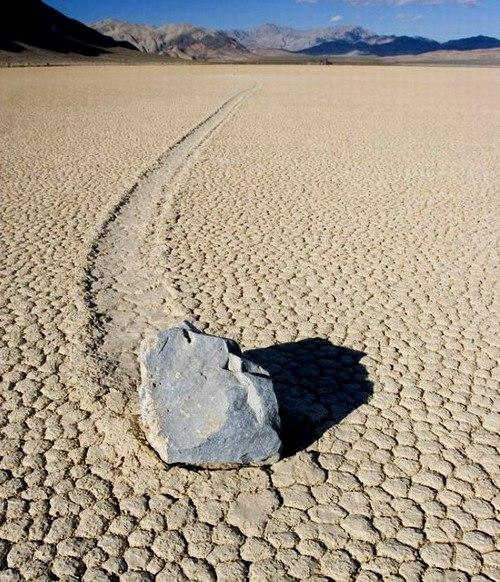ползающие камни долина смерти фото 2 (500x582, 114Kb)