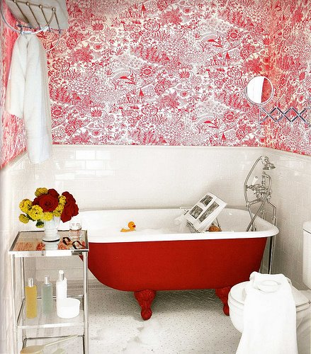 bathroom-in-red-01 (439x500, 78Kb)