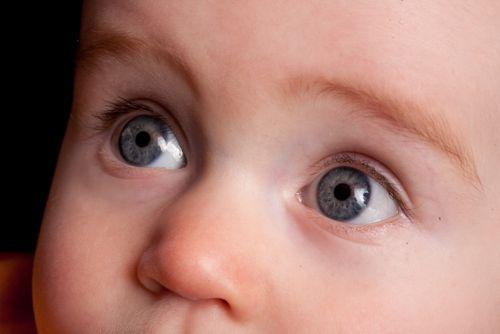 Konjunktivits_lv_baby_eyes (500x334, 20Kb)