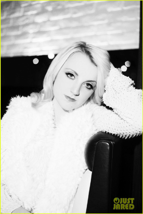 evanna-lynch-just-jared-photo-shoot-06 (467x700, 163Kb)