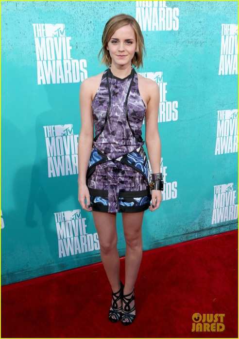 emma-watson-mtv-movie-awards-2012-05 (492x700, 95Kb)