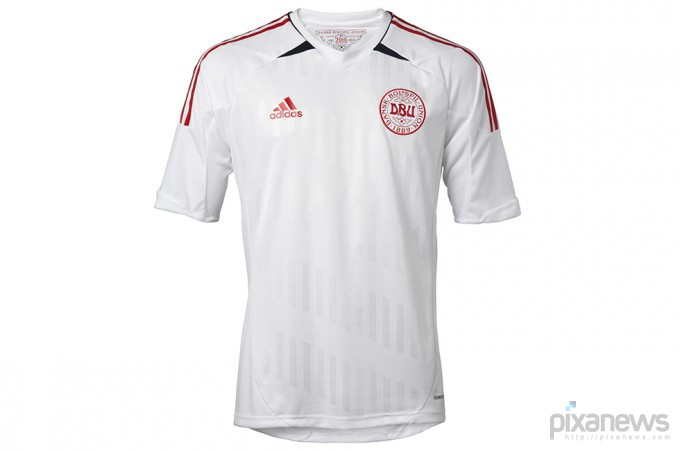UEFA-European-Football-Championship-uniform-pixanews.com-31-680x451 (680x451, 35Kb)