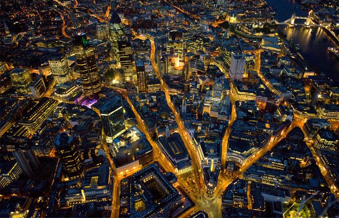 ночь над  британской столицей (700x449, 257Kb)