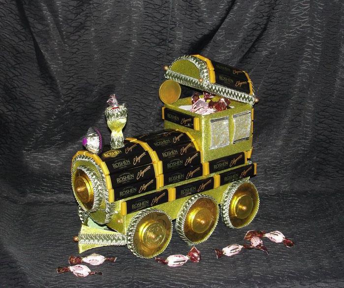 Оригинальные подарки: паровоз из конфет 5