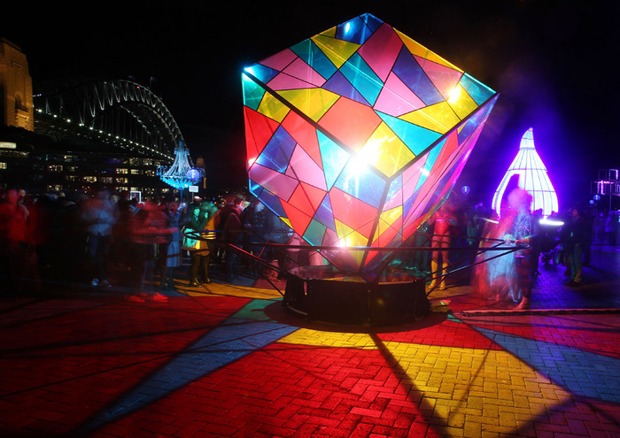 festival-sveta-v-sidnee-24 (700x495, 149Kb)
