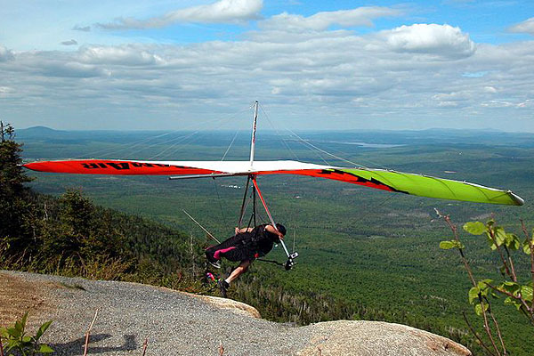 Hangliding-Mont-St-Joseph-Quebec (600x400, 78Kb)