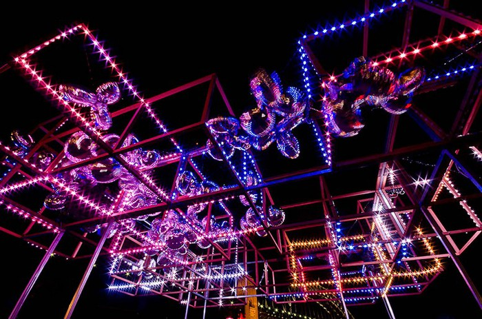 Красочный фестиваль света 2012 в Сиднее 2 (700x463, 127Kb)