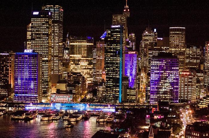 Красочный фестиваль света 2012 в Сиднее 15 (700x464, 154Kb)