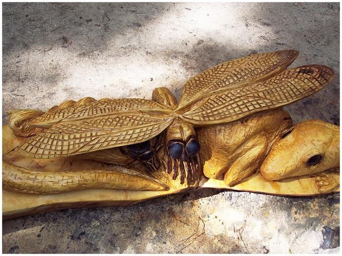 Удивительные скульптуры сделанные бензопилой 3 (700x525, 159Kb)