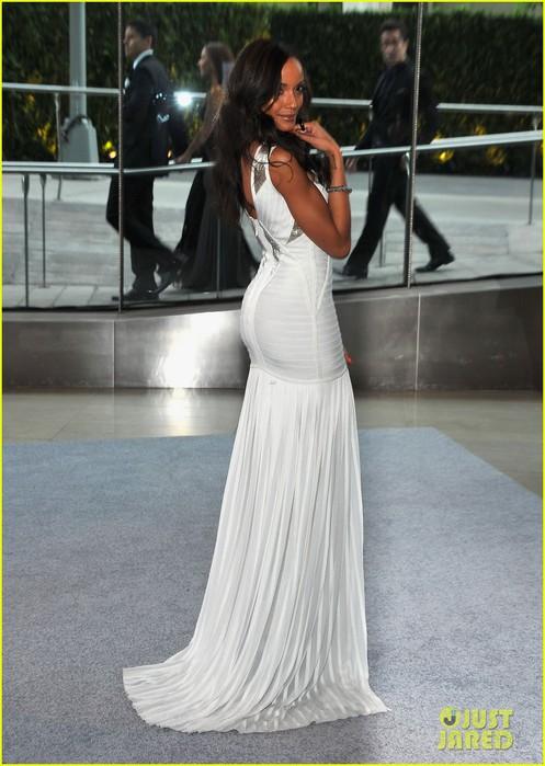 erin-heatherton-selita-ebanks-cfda-fashion-awards-2012-14 (497x700, 91Kb)
