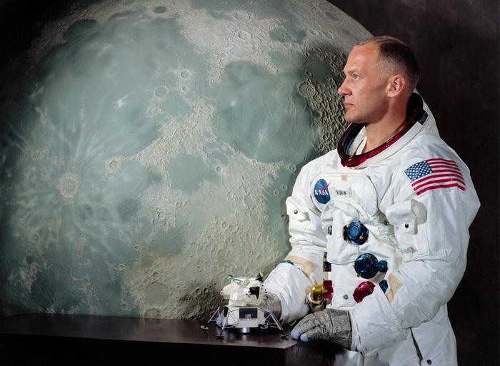 «Аполлон 11»4 (700x513, 147Kb)