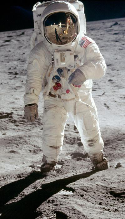 «Аполлон 11»14 (400x700, 349Kb)