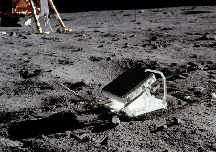 «Аполлон 11»15 (700x492, 187Kb)