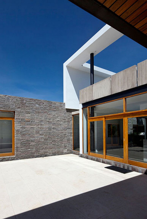 Двухэтажный дом от студии Diez + Muller 5 (470x700, 280Kb)