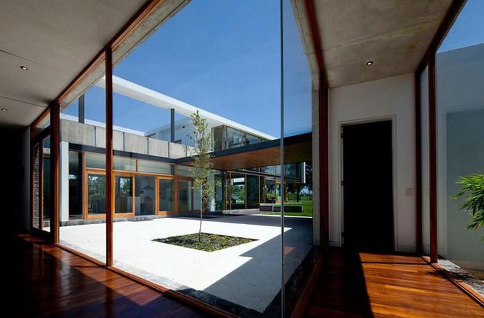 Двухэтажный дом от студии Diez + Muller 19 (700x461, 72Kb)