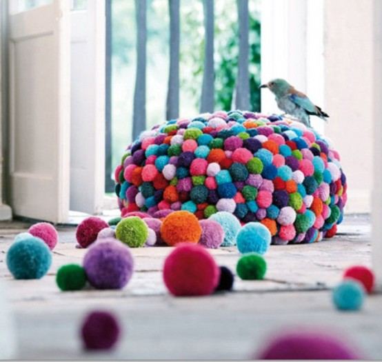 colorful-and-cozy-pompom-chairs-and-rugs-2-554x525 (554x525, 63Kb)