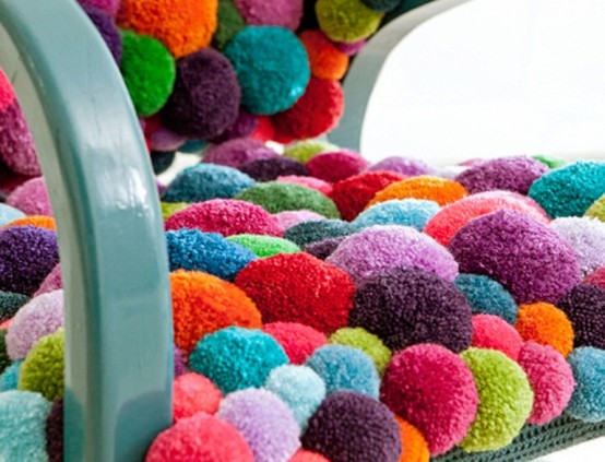 colorful-and-cozy-pompom-chairs-and-rugs-4-554x423 (554x423, 70Kb)