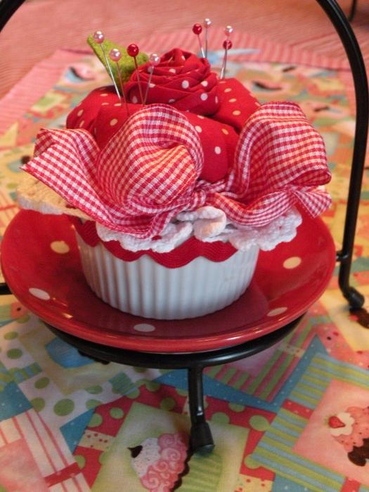 etsy cupcake pin cushions 197 (525x700, 471Kb)