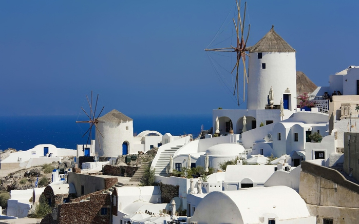 Windmills in Oia, Santorini, Greece (700x437, 187Kb)