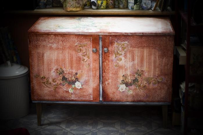 Старая мебель и декупаж