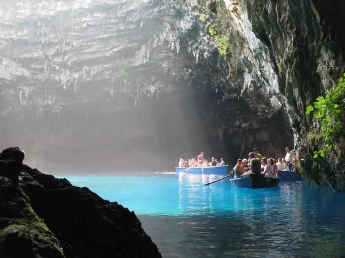 Озеро-пещера Мелиссани