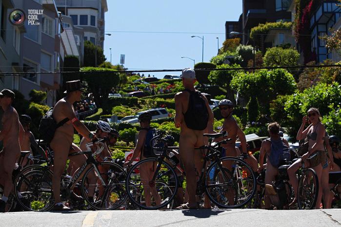 голые велосипедисты фото нудистов 13 (700x466, 173Kb)