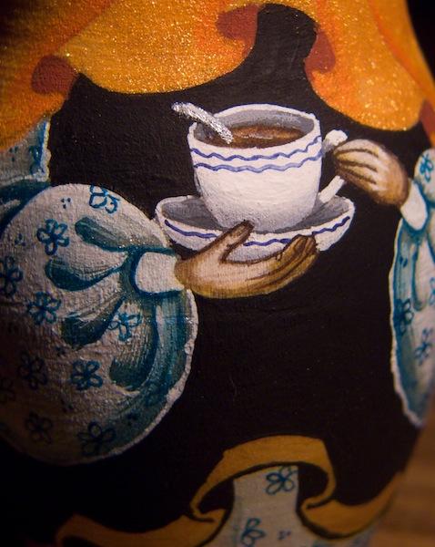 Роспись матрешек хохломой