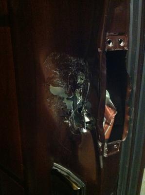 Яшин обвинил следователей во взломе своей квартиры, обыске и краже.