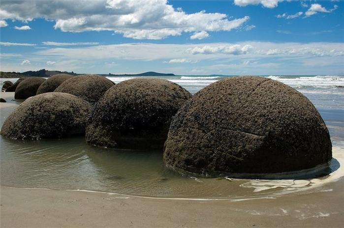 кругклые камни Моераки (700x464, 236Kb)