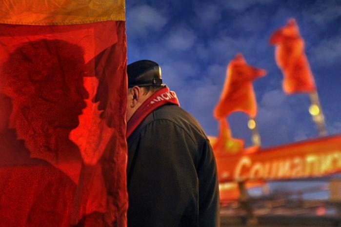 Профессиональная категория жанровая съемка, 1 место. Александр Петросян, «Про митингующих и протестующих» (700x465, 114Kb)