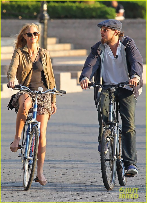leonardo-dicaprio-erin-heatherton-biking-twosome-01 (508x700, 122Kb)