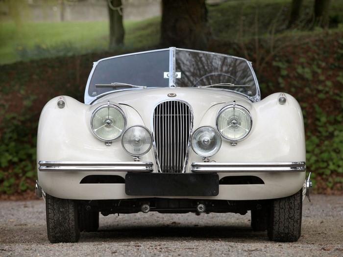 Jaguar XK120 - самая красивая машина 50-х годов 19-го века 6 (700x525, 88Kb)