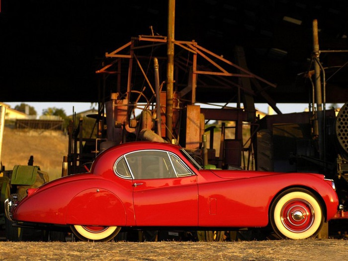 Jaguar XK120 - самая красивая машина 50-х годов 19-го века 17 (700x525, 95Kb)