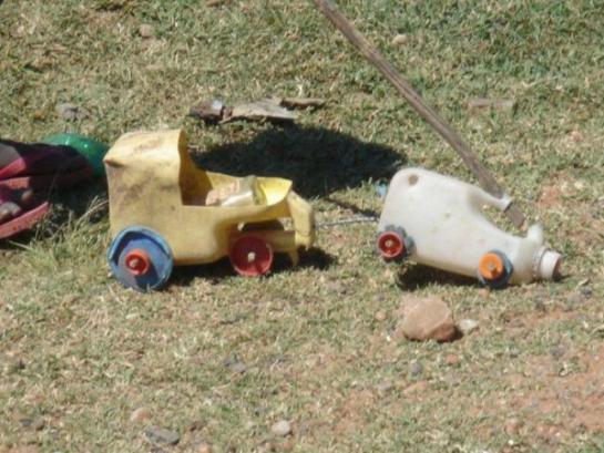 игрушки африканских детей фото 5 (545x409, 47Kb)