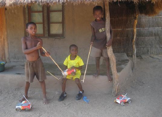 игрушки африканских детей фото 8 (537x390, 29Kb)