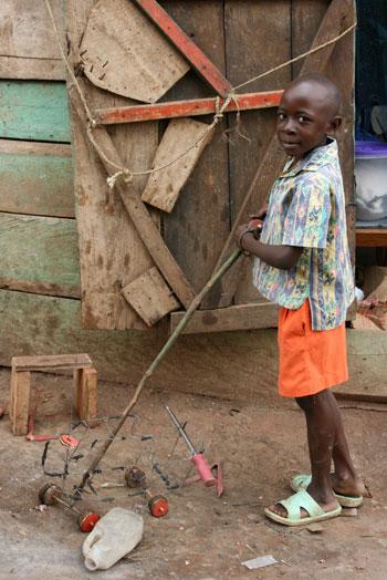 игрушки африканских детей фото 10 (350x524, 57Kb)