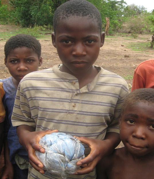 игрушки африканских детей фото 12 (537x624, 97Kb)