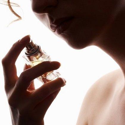 интернет магазин парфюмерии/3185107_kypit_vintajnie_dyhi (420x420, 20Kb)