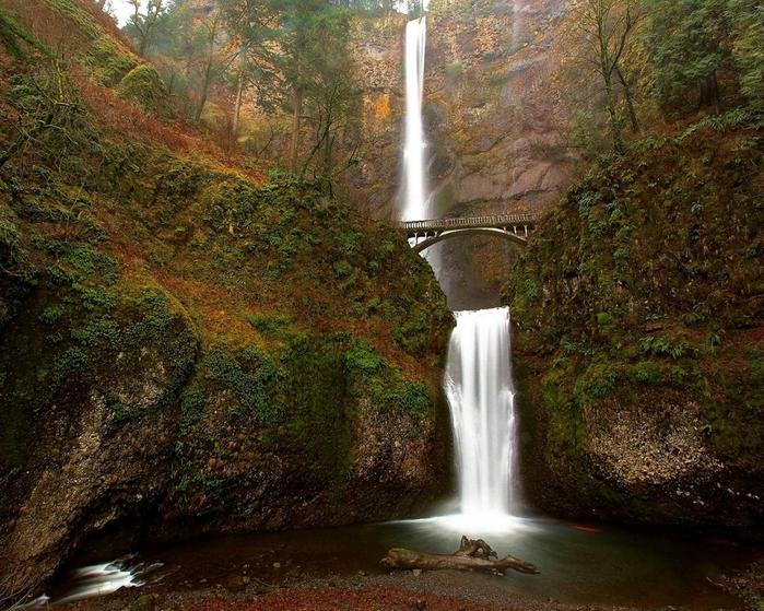 красивый водопад фото (700x559, 382Kb)