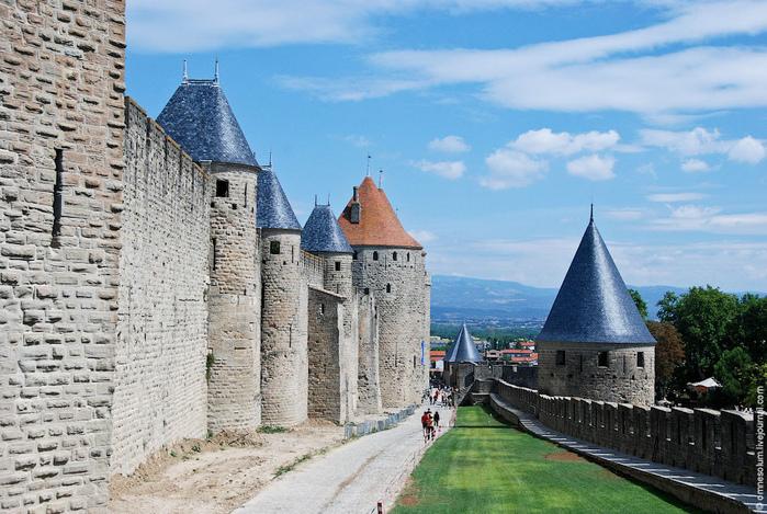 castle (1) (700x469, 218Kb)