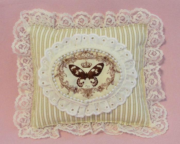 butterflypillow (700x562, 507Kb)